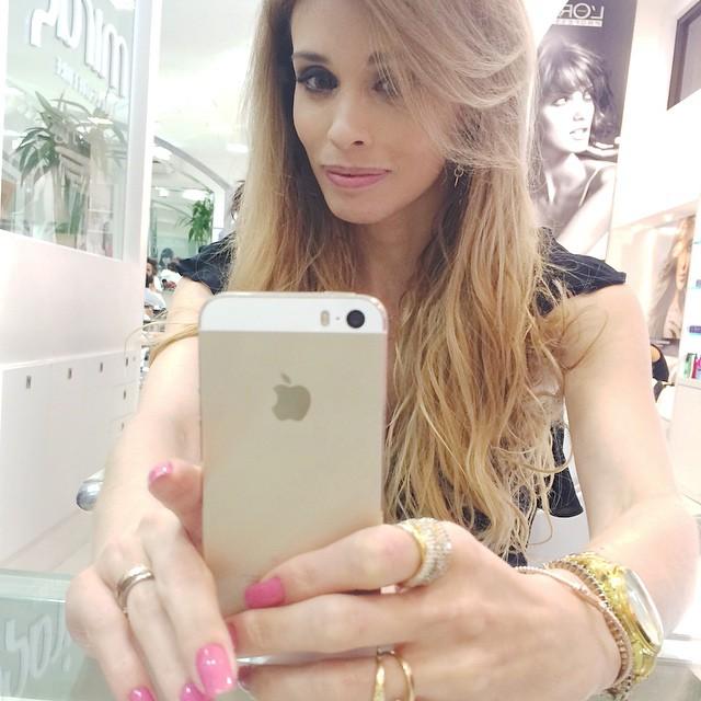 ✨Fazia tempo que não fazia uma #selfie??✨ amanhã tem post novo! ?#Goodnigth #selfie #dehoje #cabelos #hair #MirageVivaOpenMall #me #MatheusTauber #FernandaSalvi #BeautyPartner @matheustauber #CabelosLindos #SiteCabelosLindos ?