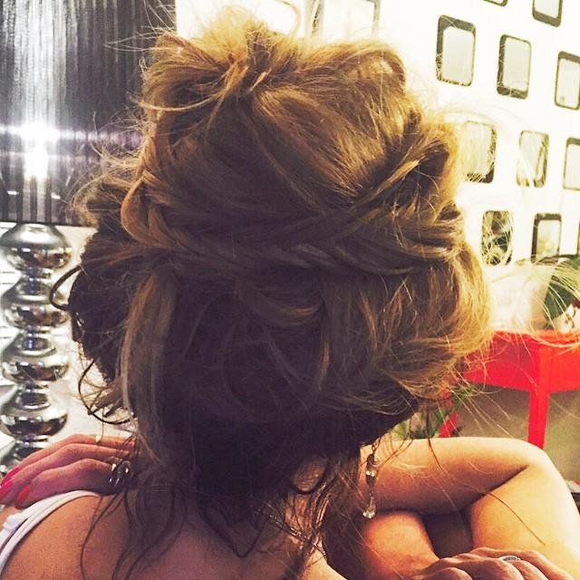 ?Coqueando✨Para o Domingo esse lindo texto que a querida @isabelarozental - @entreosparenteses , me enviou e adorei ?, ela escreve textos lindos!✨ Fica a inspiração do coque despojado by @matheustauber para um dia de correria! #cabelos #hair #hairpost #bun #coque #frase #iphoneonly #lookoftoday  #Sunday #hairideas #MatheusTauber #BeautyPartner #FernandaSalvi #CabelosLindos #me ▃▃▃▃▃▃▃▃▃▃▃▃▃▃▃▃▃▃▃